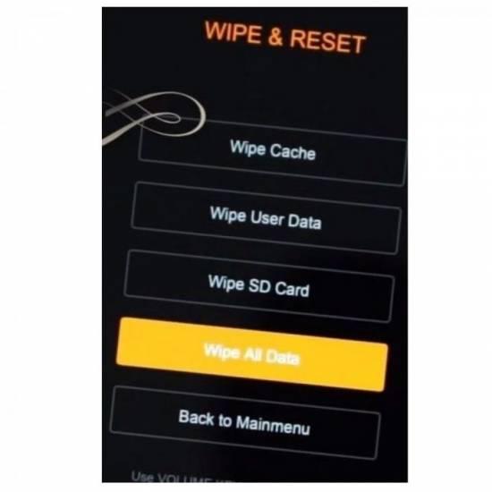Neobhodimo-najti-razdel-Wipe-Reset-a-vnutri-vybrat-parametr-Wipe-All-Data.jpg